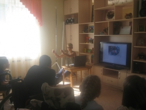 Cassandra gives a presentation about life in North Carolina to children and staff at the Rodnik Rehabilitation Center in Petrozavodsk